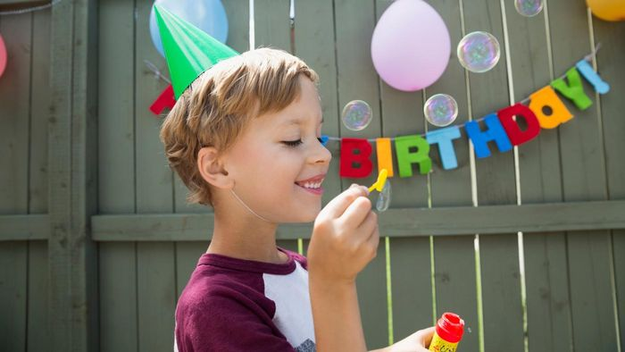 What Are Some Fun Birthday Greetings for a Son?