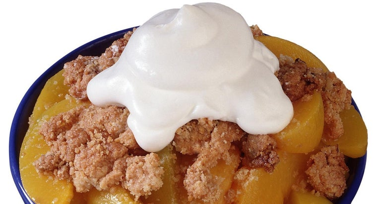 What Is an Easy Recipe for Peach Crisp?