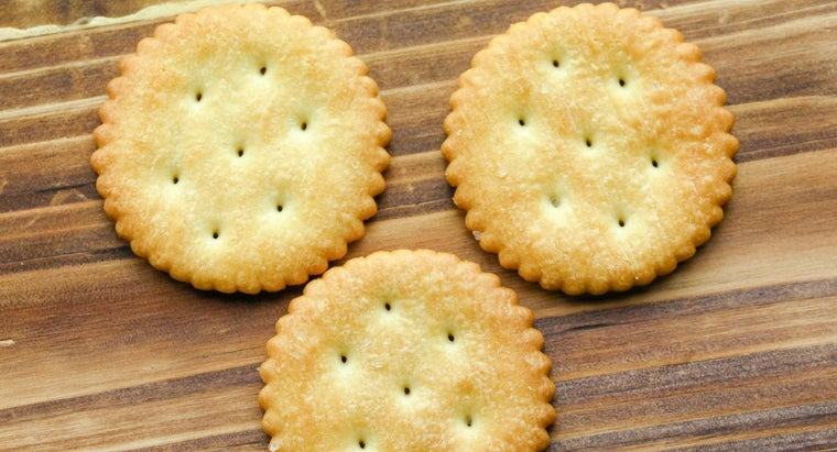 What Are Some Pie Recipes That Include Ritz Crackers?