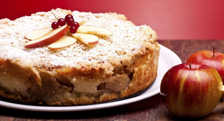 What Is the Best Apple to Use in an Apple Spice Cake Recipe?