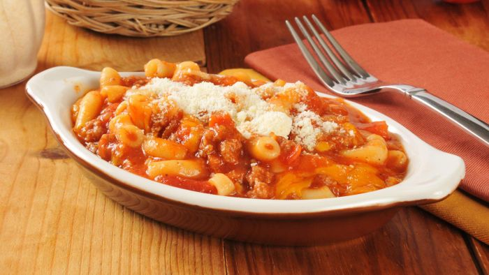 What Is a Simple Recipe for Johnny Marzetti?