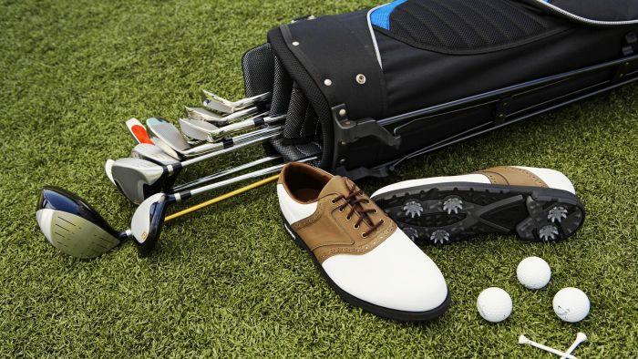 What Are Some Popular Titleist Golf Tour Bags?