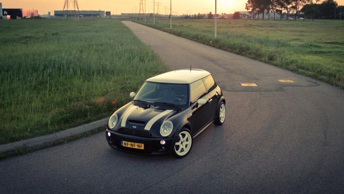 What Are Some Tips for Buying a Used Five-Door Mini Cooper?