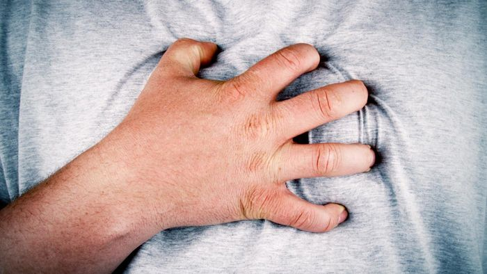 What Symptoms Indicate a Heart Attack in Men?