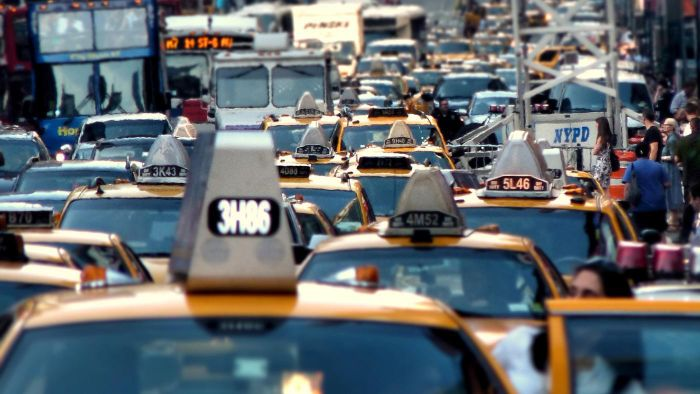 Where Can You Find a Free Live Traffic Report Mobile App?