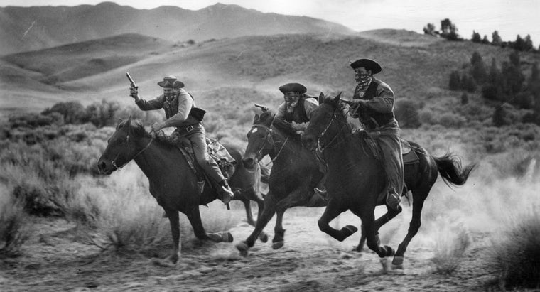 How Can You Legally Watch Old Western Movies for Free?