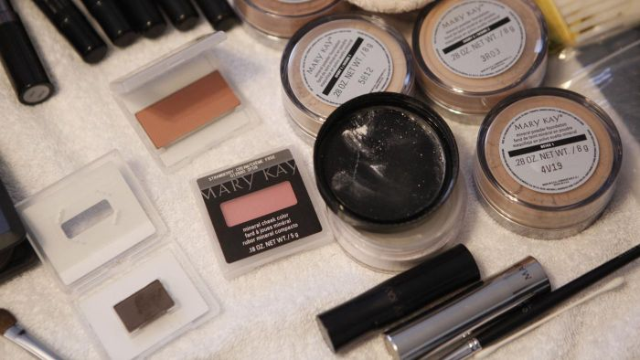 Is Mary Kay Available in Canada?