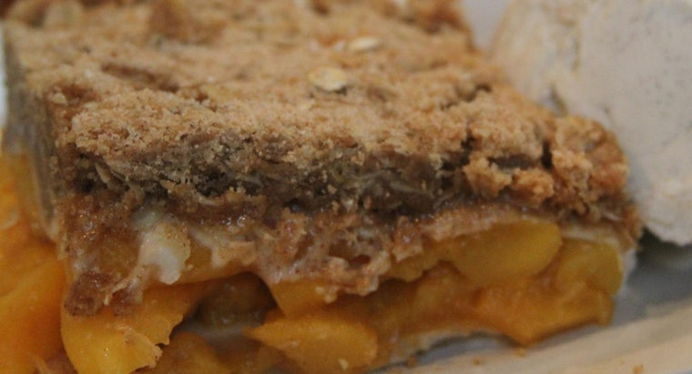 What Are the Essential Ingredients in a Basic Peach Cobbler?
