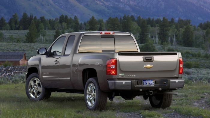 What is the bed size of a Chevy Silverado?