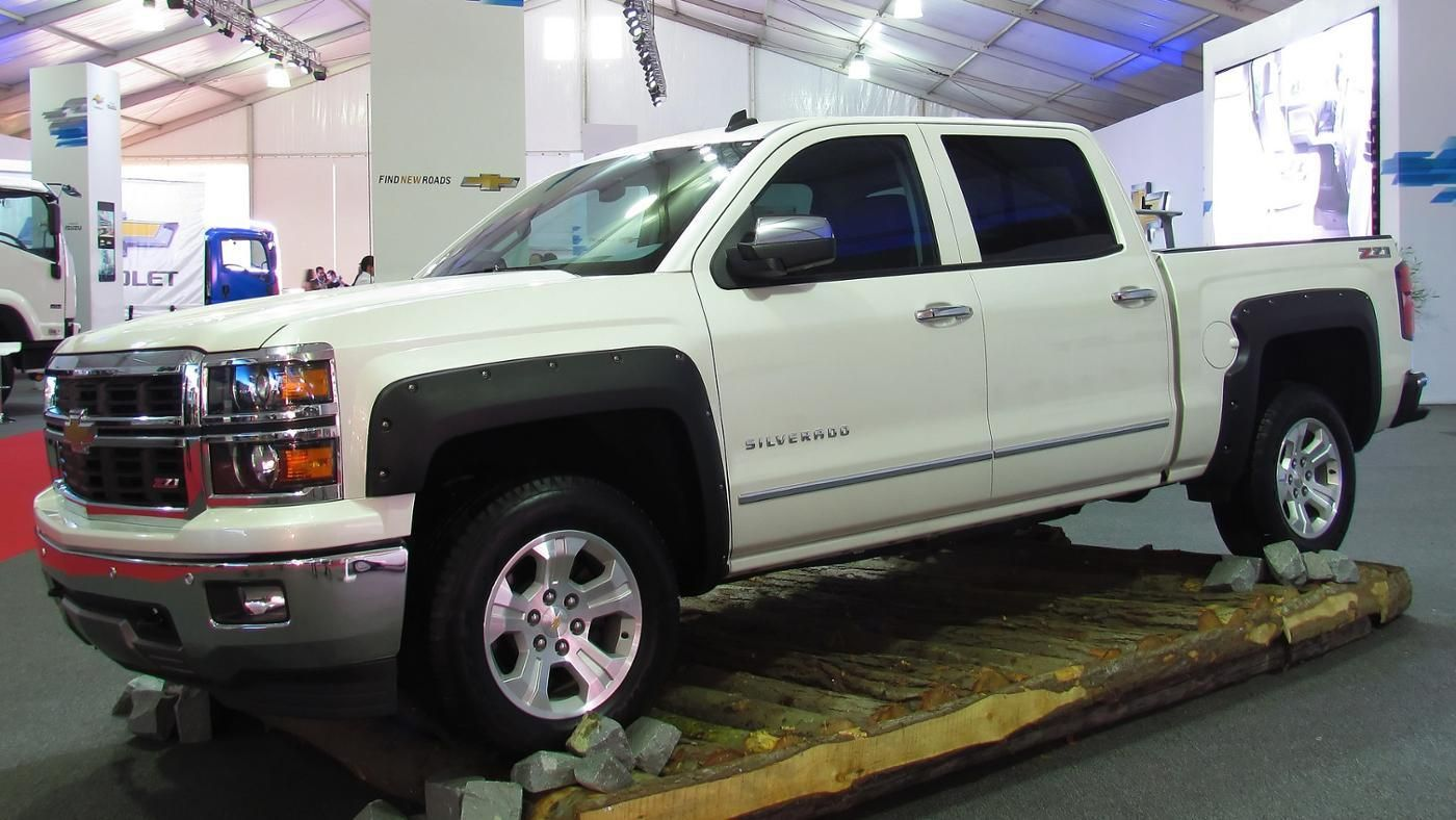 All Chevy chevy 1500 weight : What is the gross weight of the average Chevy Silverado ...