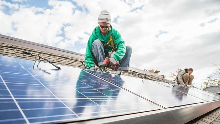 What Are the Steps to Receive a Government Grant for Solar Power?