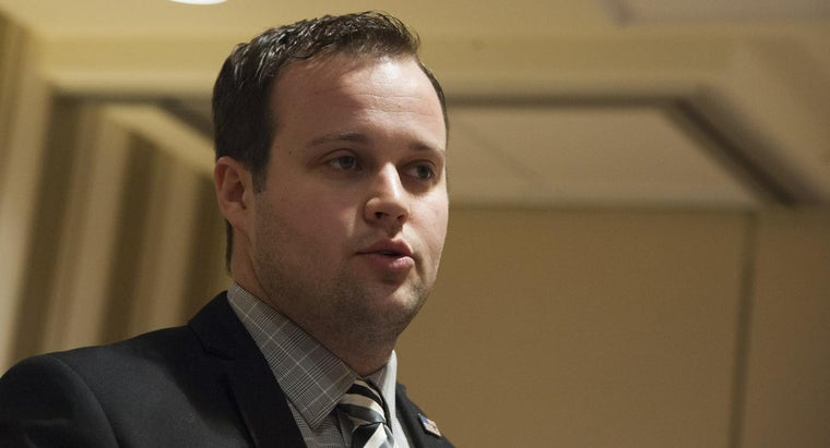 What Are Some Good Estimations for Josh Duggar's Salary?