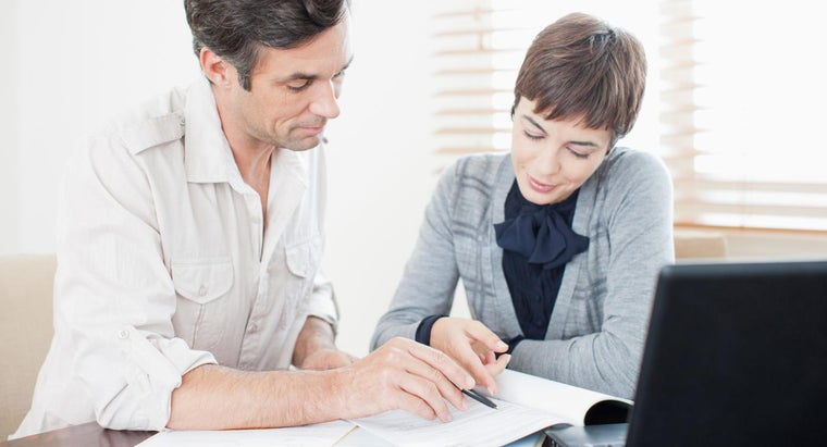 What Are the Pros and Cons of a Reverse Mortgage?