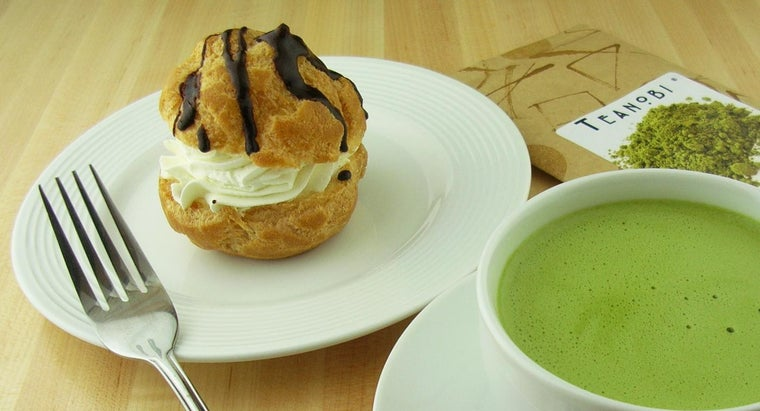 What Is an Easy Cream Puff Recipe?
