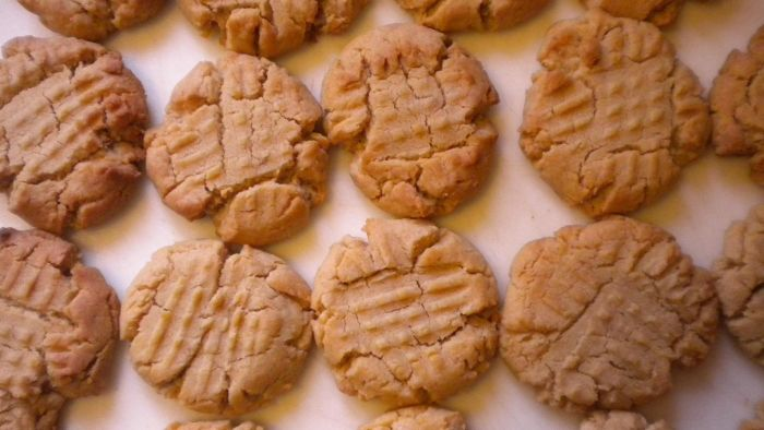 What Is a Good Recipe for Peanut Butter Cookies?