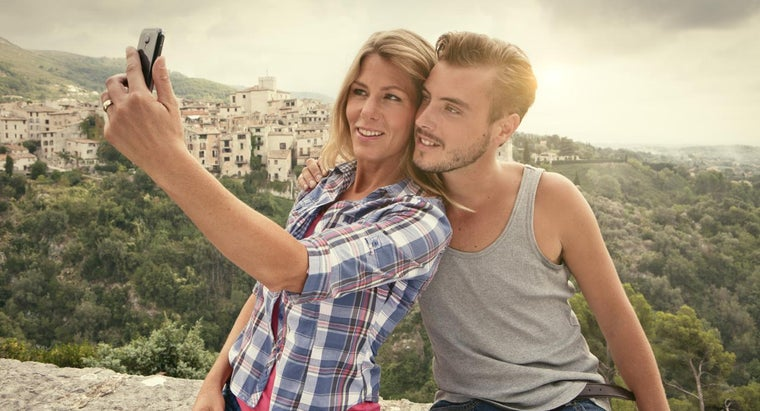 What Is a Good Dating Site for Older Women Who Want to Date Younger Men?