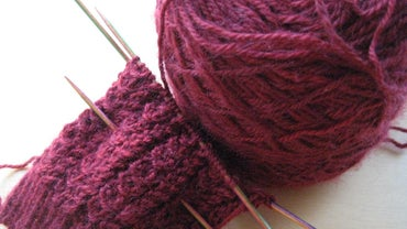 What Are Some Knitting Stitches for Beginners?