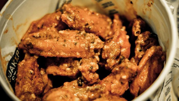 How Do You Make Spicy Chicken Wings?