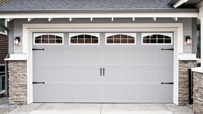What Different Types of Garage Door Window Inserts Are There?
