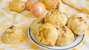 What is the best recipe for an easy potato knish?