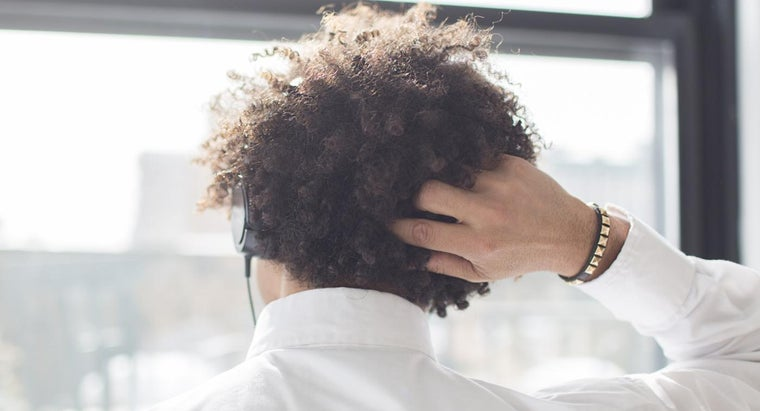 What Are Some Home Remedies for an Itchy Scalp?