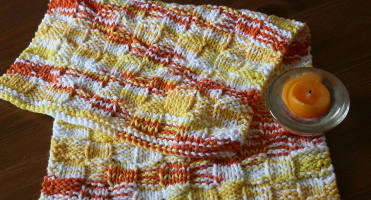 What Are Some Different Knitted Dishcloth Patterns?
