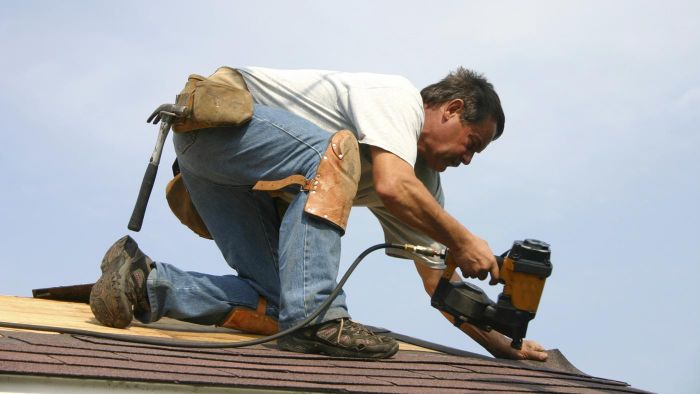 What is a roofing estimate calculator?