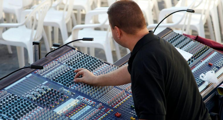 How Do You Find a Job As a Sound Engineer?