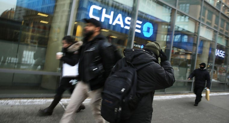 How Much Does Chase Bank Charge to Maintain a Personal Checking Account?