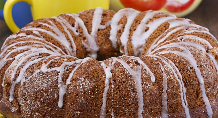 What Is a Good Recipe for Apple Bundt Cake?
