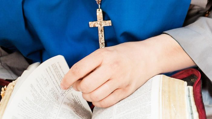 Where Can You Access Daily Homilies for Catholics?