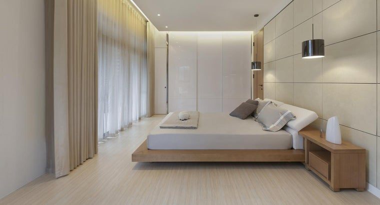 What Is a Japanese Platform Bed?