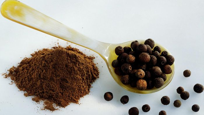 Does Allspice Contain Any Harmful Ingredients?