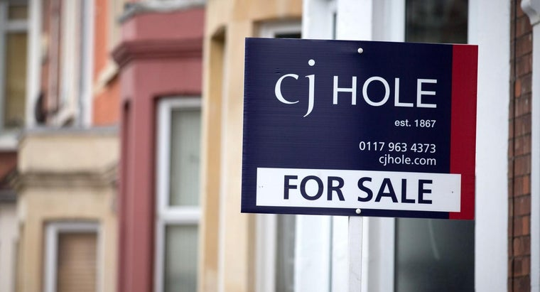 How Do You Find Lists of Repossessed Homes for Sale?