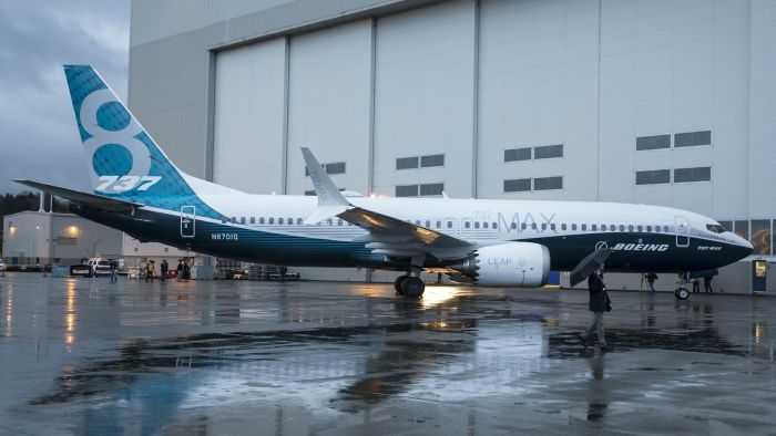 What Are the Pros and Cons of Buying Boeing Stock?