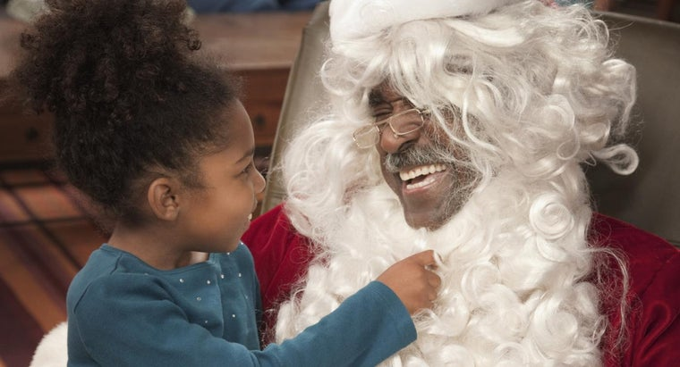 What Are Some Santa Claus Games for Kids?