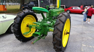 How Much Do John Deere Lawn Mowers Cost?