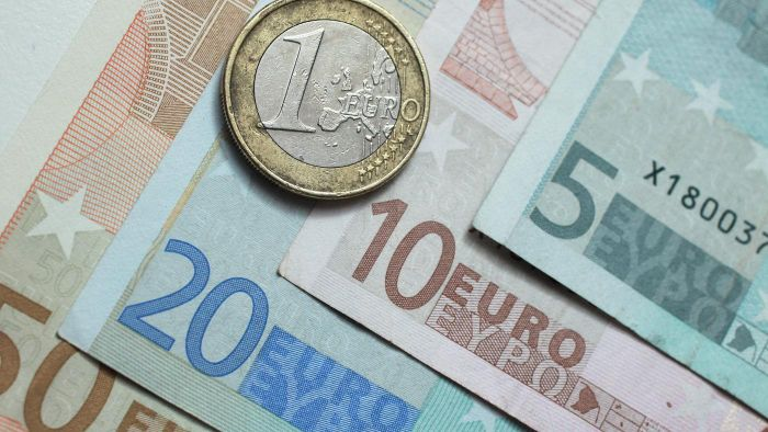 How Do You Send a Euro Money Transfer?