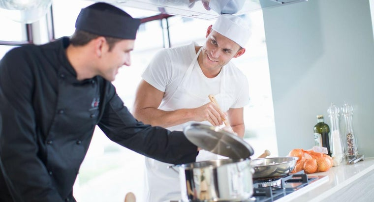 What Are Some Job Duties of a Sous Chef?