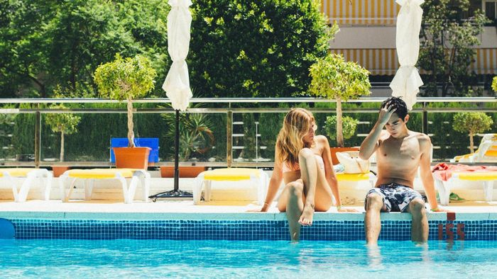 How Do You Find a Rental Home With a Pool?