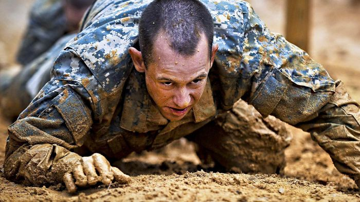 What Are the Army's Physical Fitness Training Standards for Basic Training?