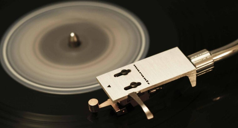 Which Vinyl Record Cleaners Generally Receive Good Reviews?