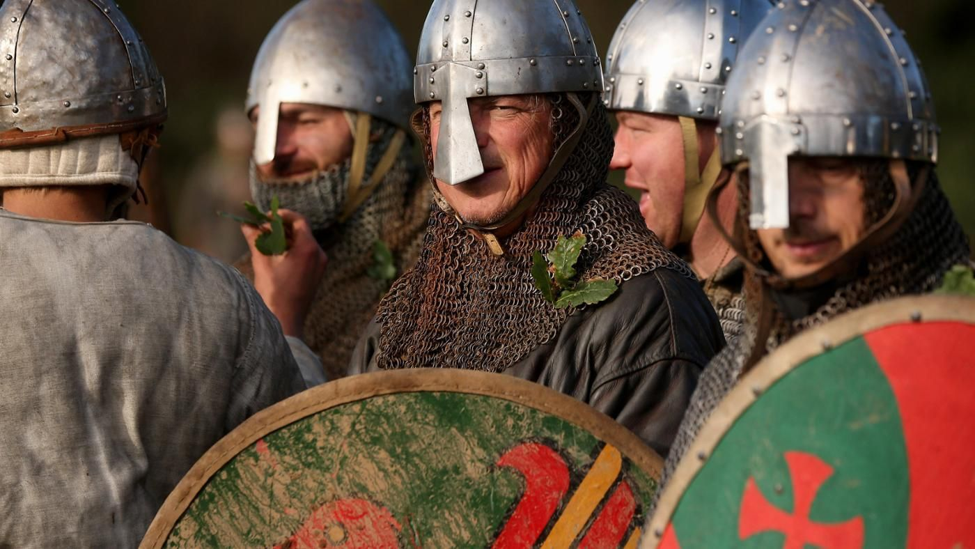 battle of hastings essay why william won In conclusion, william won the battle of hastings because he was better prepared, had a stronger army and excellent tactics the most important reason was that.