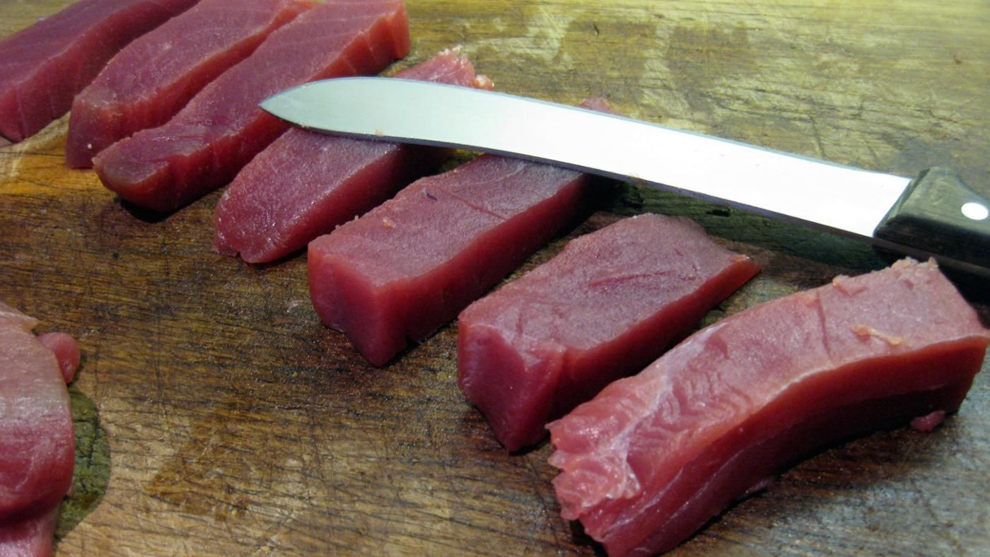 Can you get sick from eating raw tuna for Can you eat tuna fish when pregnant