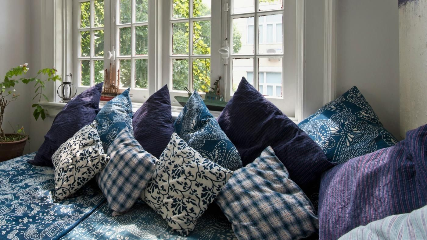 How To Disinfect Decorative Pillows : How Do You Clean Throw Pillows? Reference.com