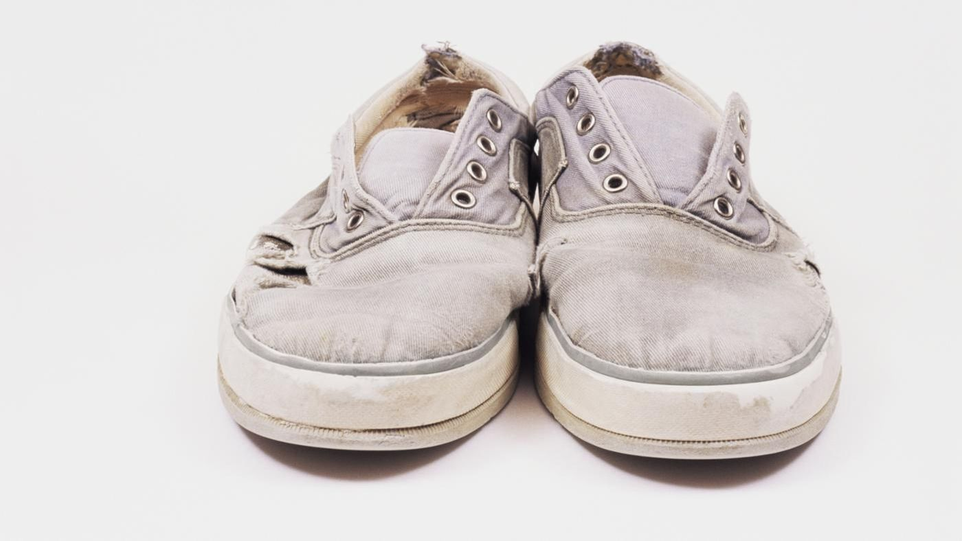 How To Get White Canvas Shoes Clean