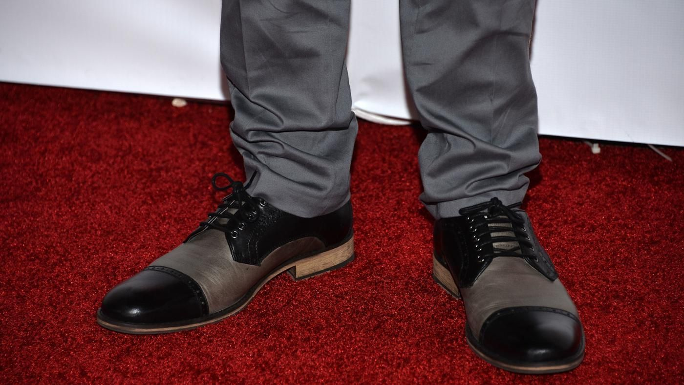 What Color Shoes Go Well With Grey Pants Reference Com