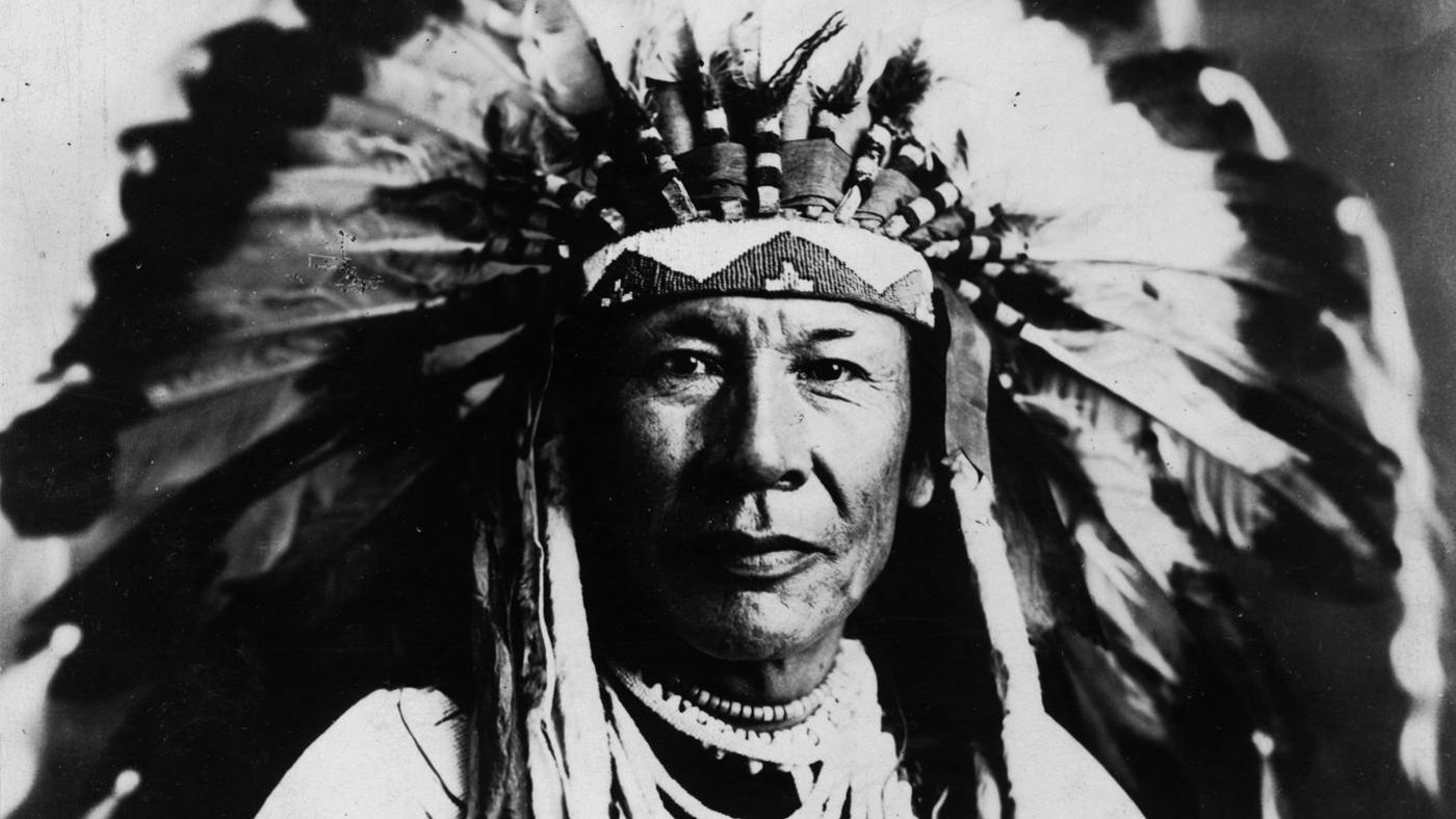 blackfoot indians wear did reference clothing wore hulton archive
