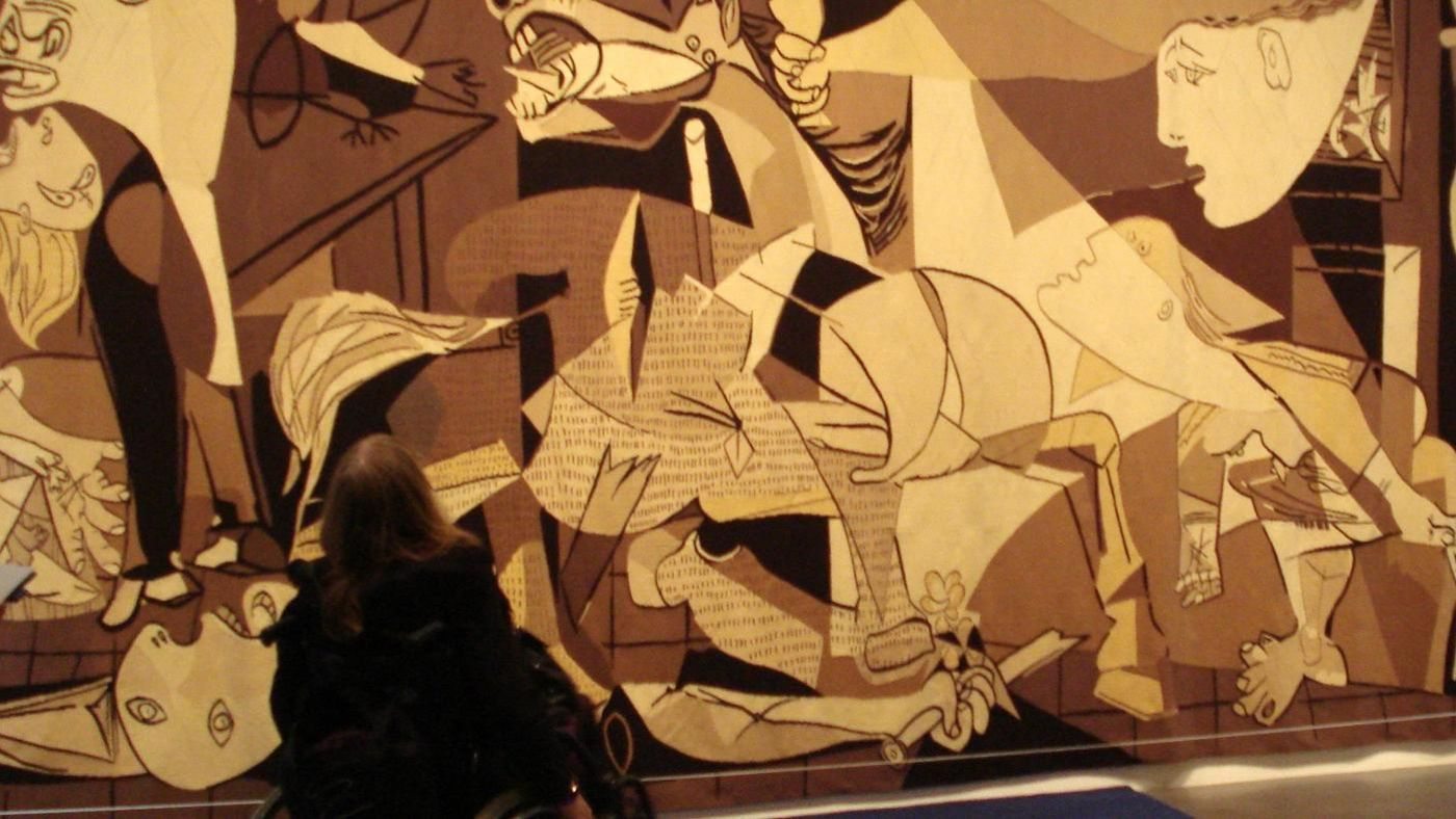 essays on guernica Guernica is a mural painting done by pablo picasso in 1937 it reflected the bombing that took place in guernica, basque country the perpetrators of guernica bombing were the germans and the italians who used adolf hitler's warplanes as they were fighting spanish forces.
