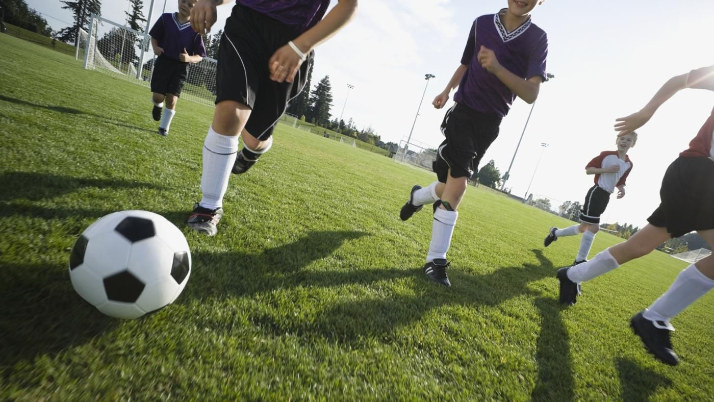 how does sports affect you Although sports play a key rule in global unity during international events, it also play a key rule in making us healthy based on the fact that certain sickness could be cured by making daily excise on the other hand, sports has no ethic and racial discrimination.